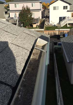Eavestrough repair Calgary, Eavestrough replacment